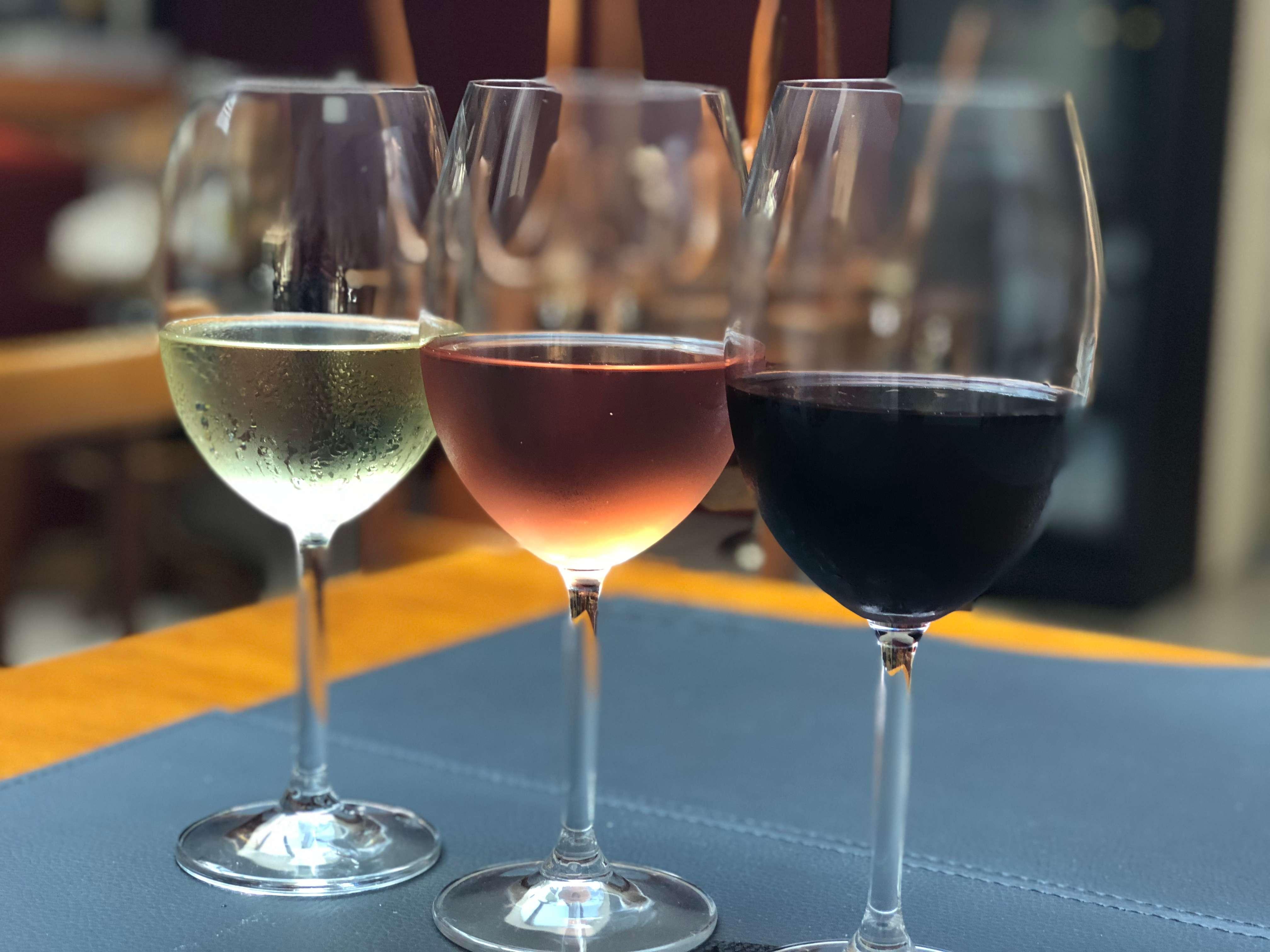 Promo de drinks e vinhos no Sette PastaBar!