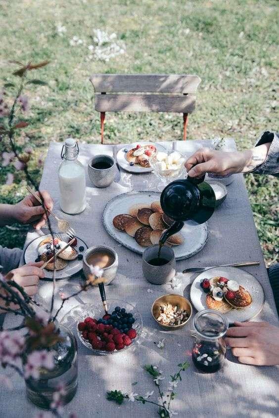 Café da manhã de hotel em casa