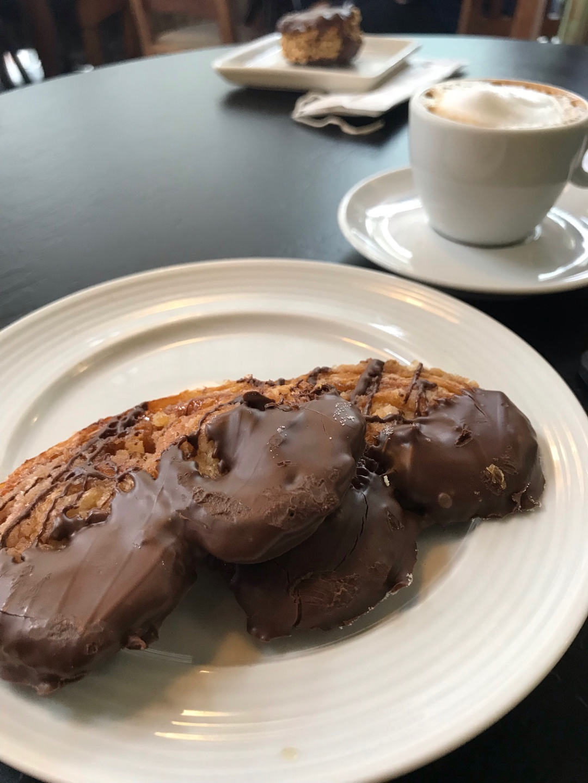 Pães e Papos - Padaria e Café em Floripa | Shareeat