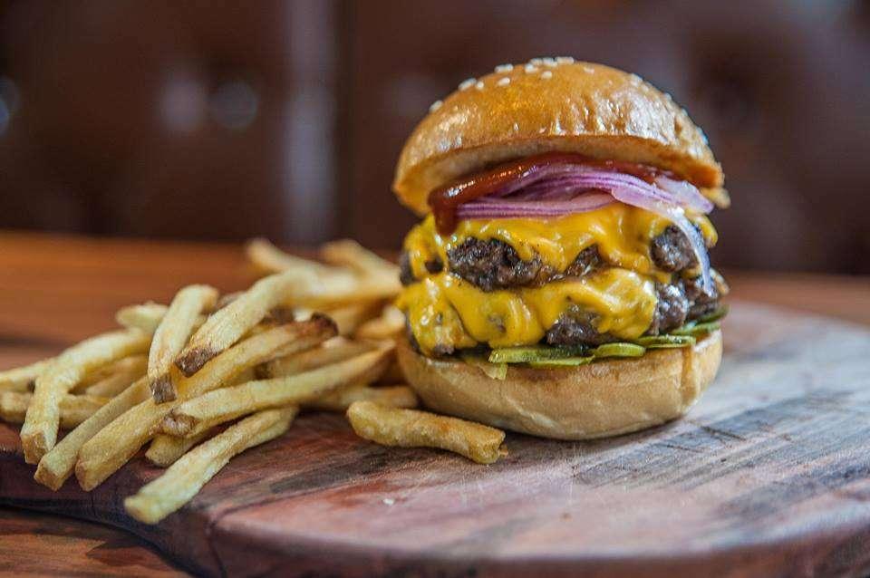 Holy Burger  em São Paulo | Shareeat